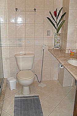 Banheiro - Apartamento em baixo (1)