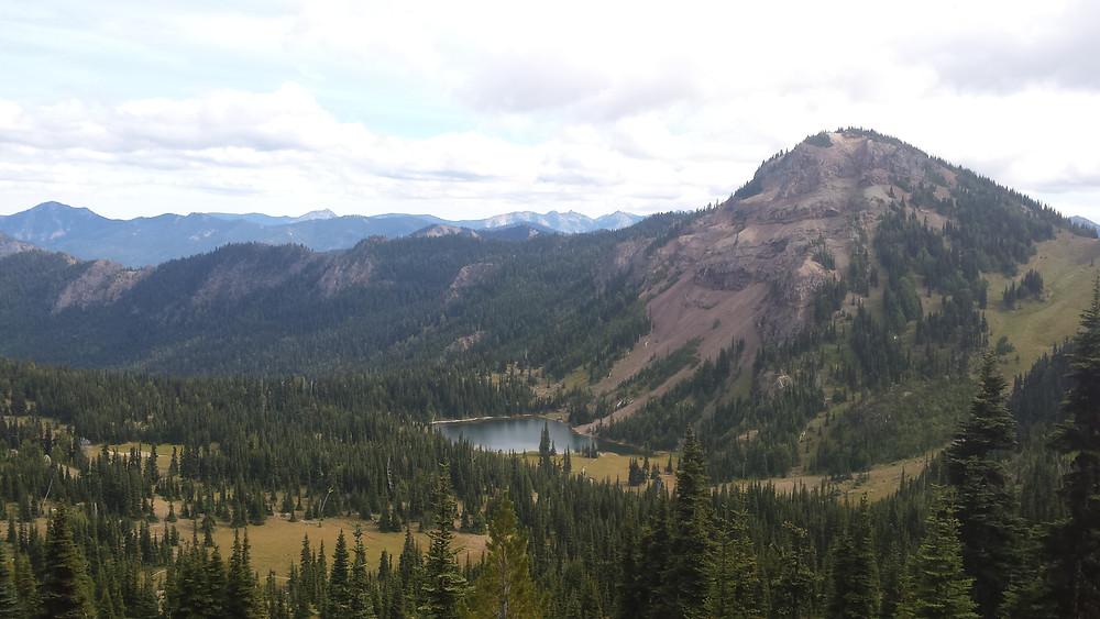 lake on the way to Chinook Pass