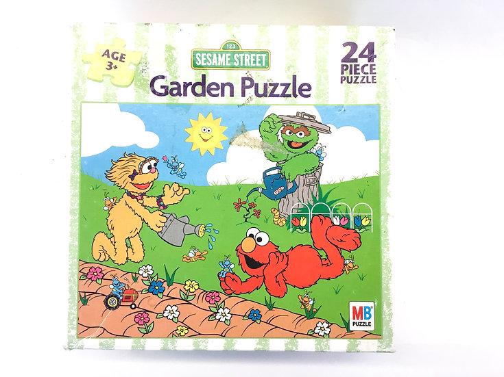 P-046 Sesame Street Garden Puzzle - 24 piece