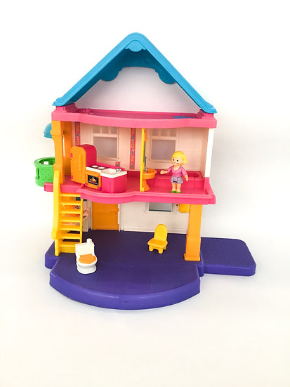 D-004 Fisher Price White Dollhouse
