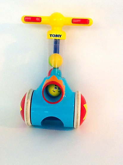 B-012 Tomy Circus Ball Vacuum