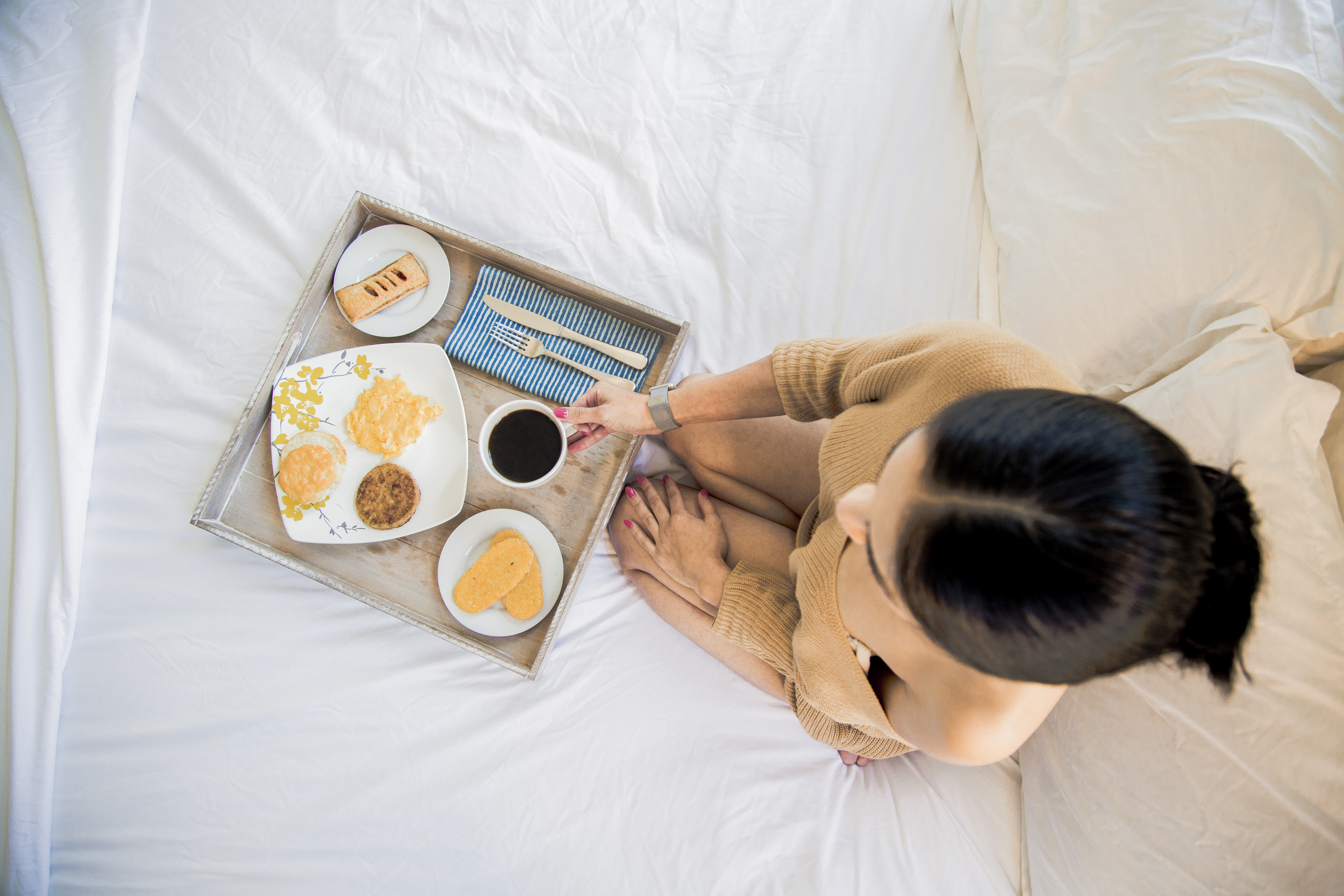 Breakfast_Bed_Birdseye_Profile_v02