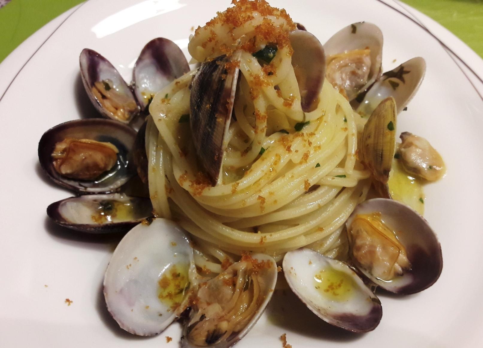 Spaghetto vongole veraci e bottarga