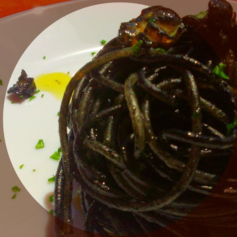 Spaghetto al nero di seppie