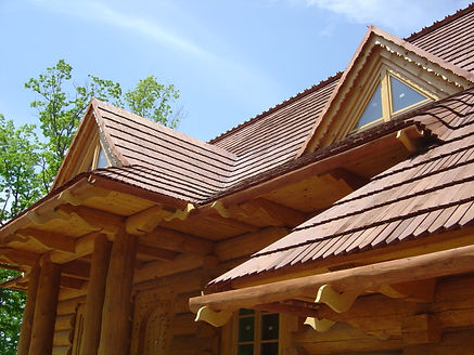 Custome roof line design for Tatra Log Homes SeriesDSC01010.JPG