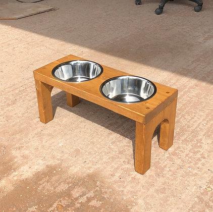 Arched Dog Feeder