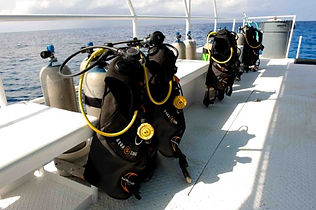 Quality Dive Gear Grand Cayman. Spacious Boats