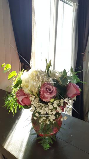 Petite composition florale parme & blanc