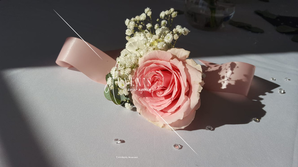 Ruban floral rose pâle et blanc - Maman des mariés