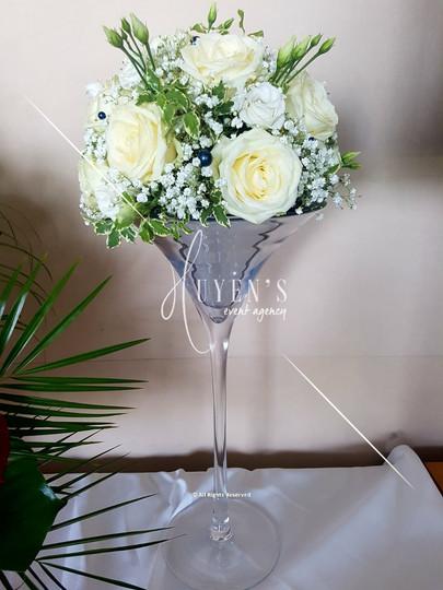 Sphère florale sur vase martini