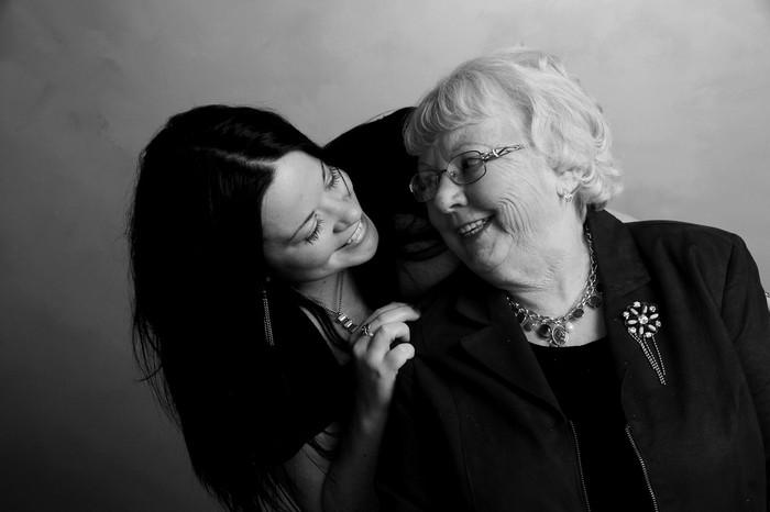 Les aidants familiaux et la prise de décision du placement en institution : l'avis de la psychologue