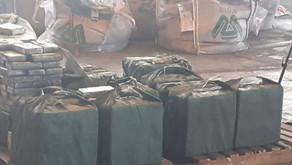 Ação conjunta descobre cocaína escondida em minério de ferro no Porto do Rio