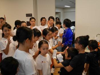 相馬子どもコーラスと東京ホワイトハンドコーラスの子どもたちの交流