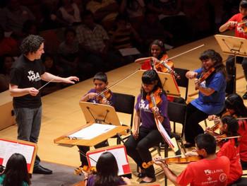 音楽教育は子どもの脳発達に好影響