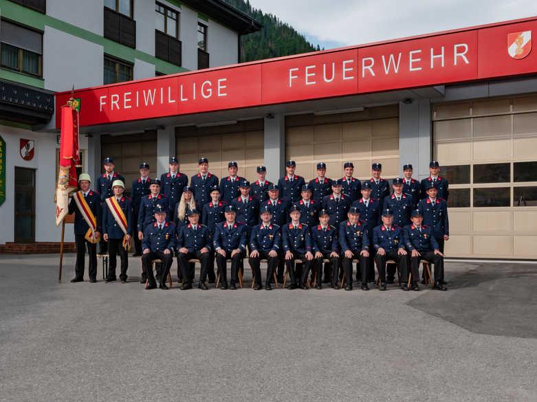 Gruppenfoto FF Stall 1 (2).jpg