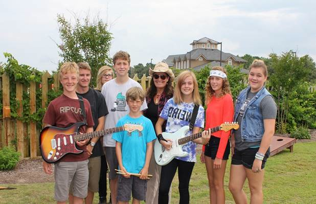 LOCAL STUDENTS ROCK BACK-TO-SCHOOL BASH
