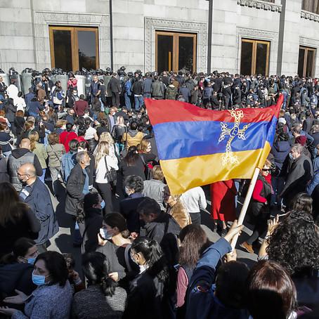La relation ambigüe et contradictoire avec le politique en Arménie