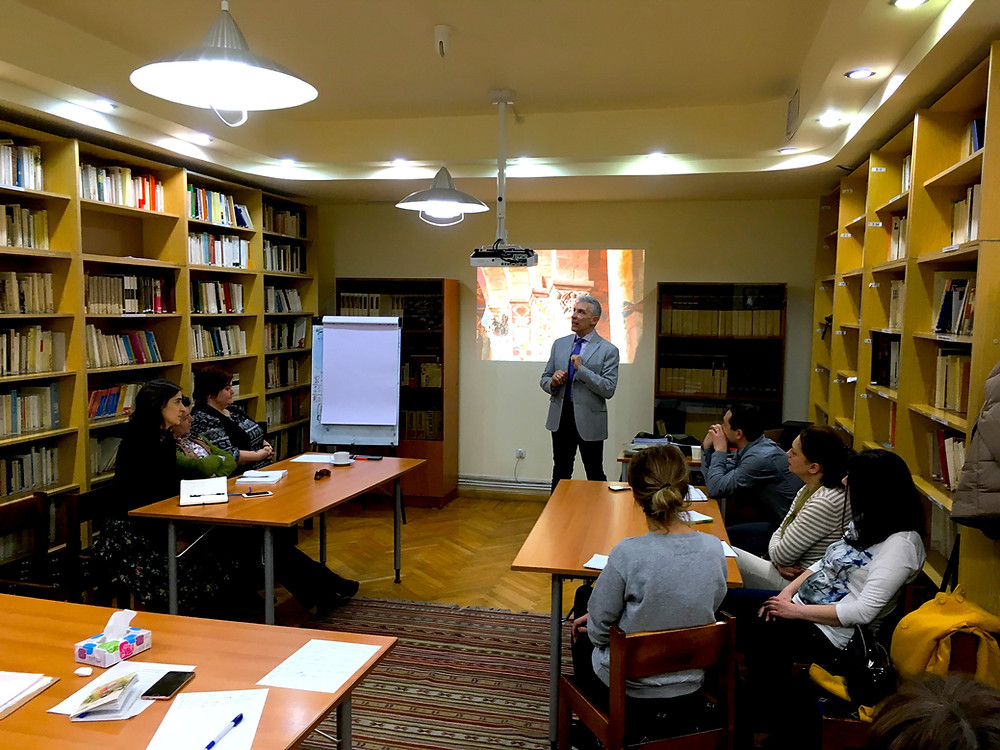 Alain Navarra training Armenian tourism executives in art history, citizenship and tourism development (Yerevan, Armenia)