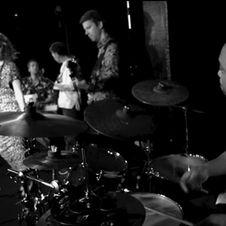 Sängerin Leo Will & Band (2016)
