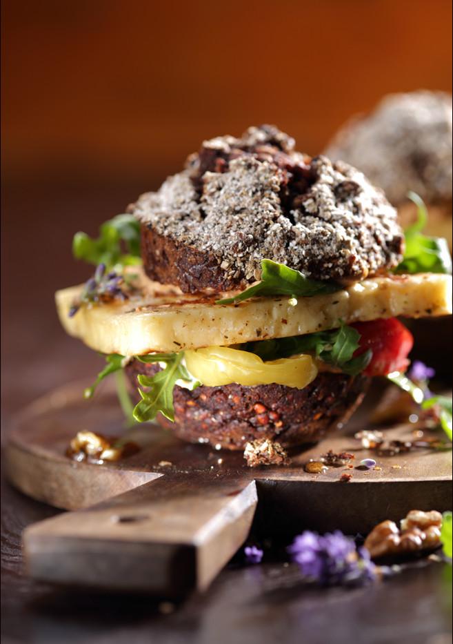 reiner_Schwarzbrotburger_foodstudio_weym
