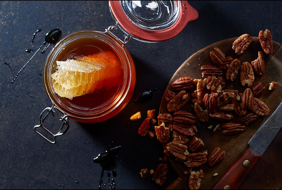 Honig_pecannuss_foodstudio_weymann.jpg