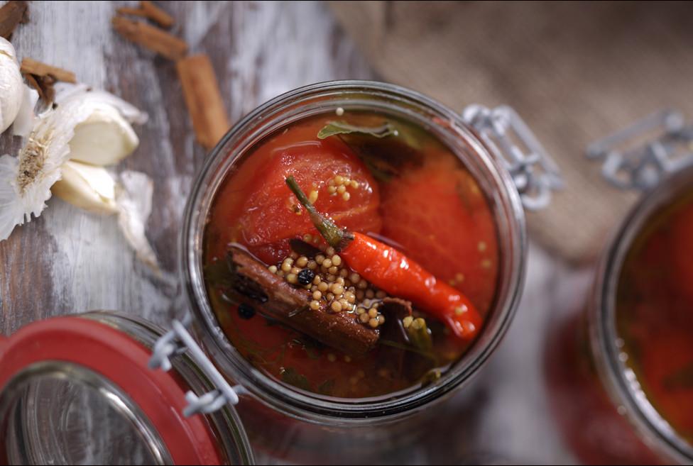 tomatengrundsauce_knoblauch_scharf.jpg