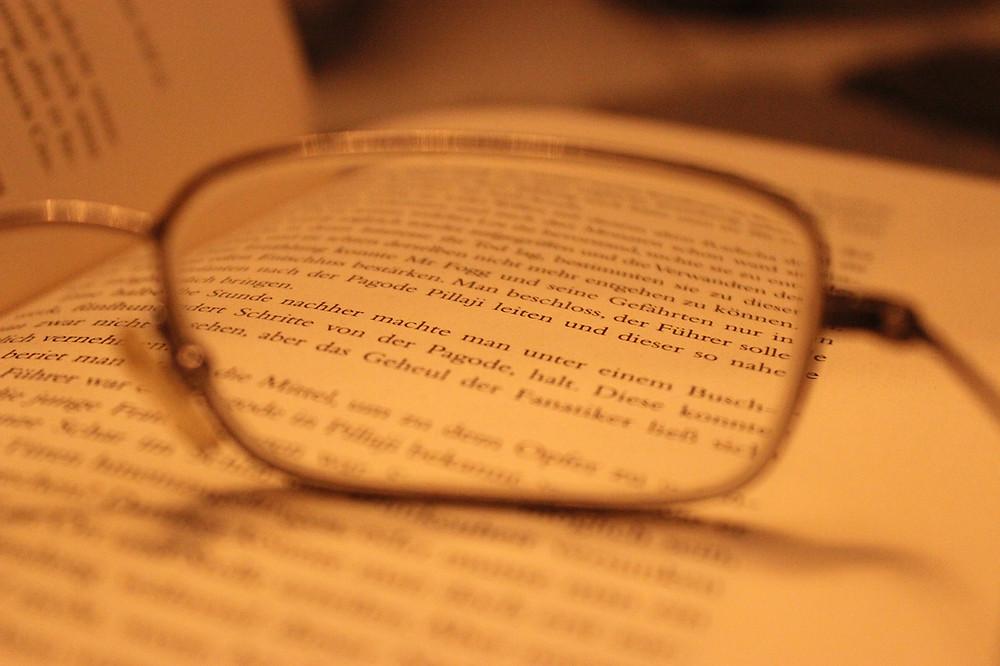 glasses-594502_1280.jpg