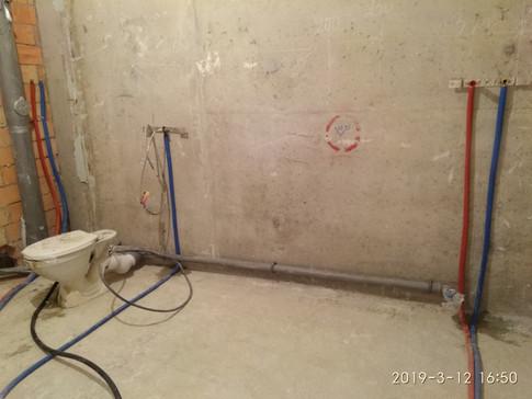 Коллекторная разводка труб Rehau. Прокладка канализации.