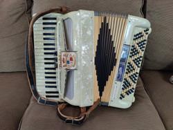 Midgetcraft Noble accordion