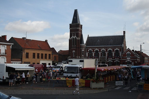 Town hall and market Oignies.JPG