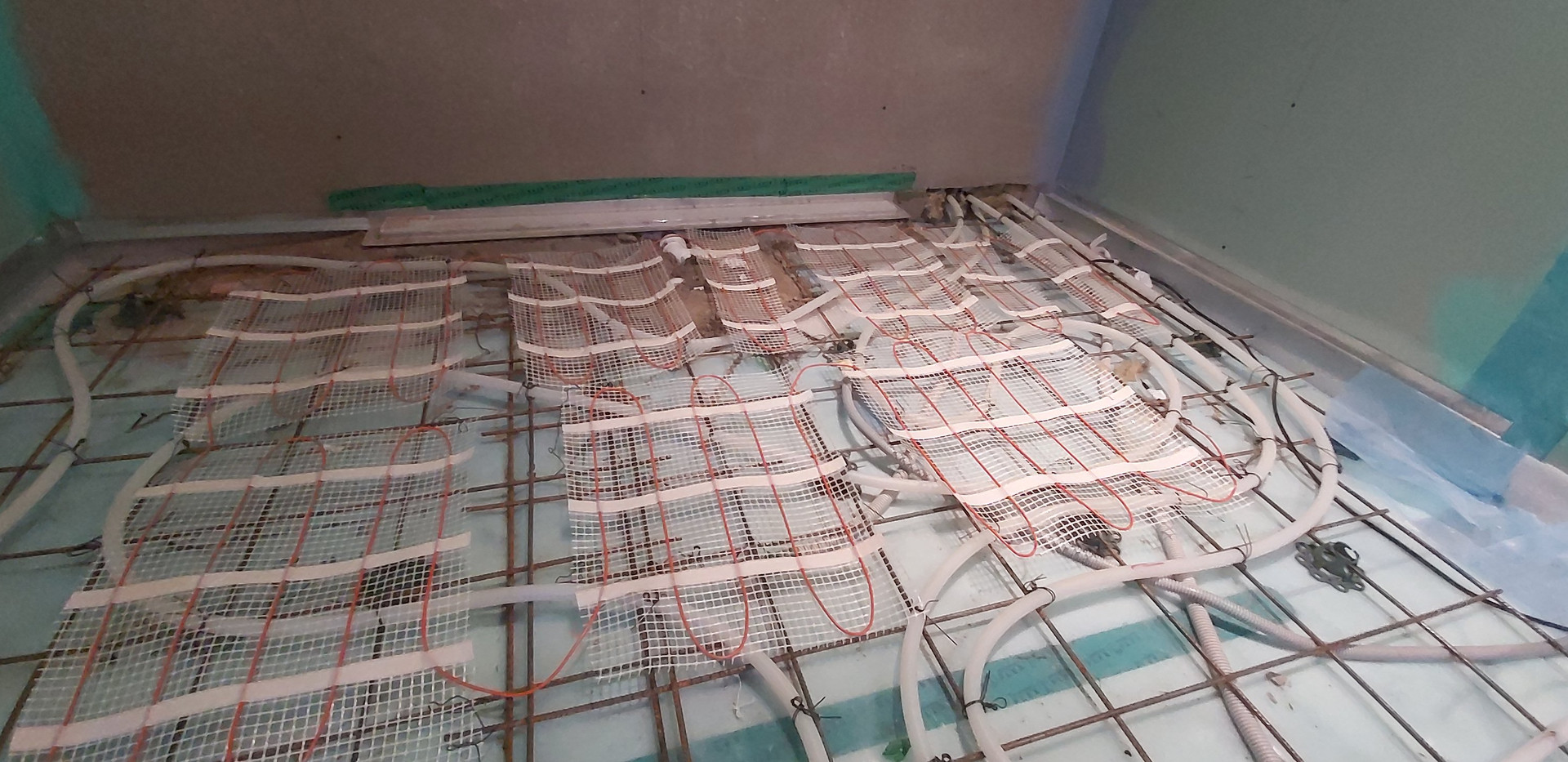 Vesi põrandaküte ja ajutine elektriline põrandaküte