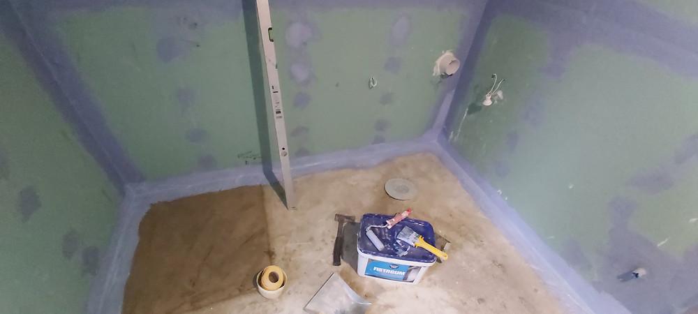 Kiplsplaadi paigaldamine seina ja veetõkke tagamine