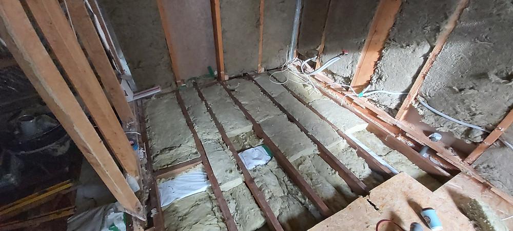 vana maja põrandalaagide vahetamine, põranda paigaldamine, soojustuse paigaldamine