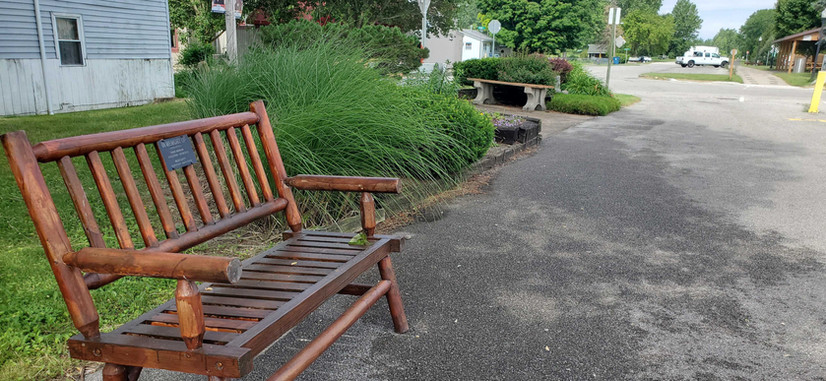 Trail head seating area 03.jpg