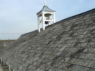 What is a listed and heritage roof?