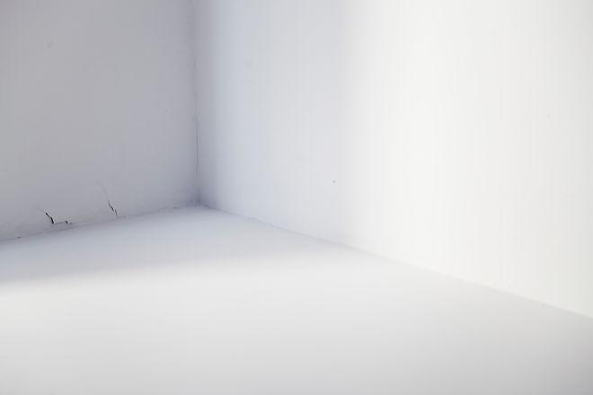 Manuel Lopez performance art. Empty space picture