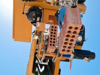 Robô consegue construir casa em menos de 48 horas.