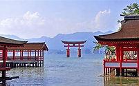 HIROSHIMA - ITSUKUSHIMA SHRINE.jpg