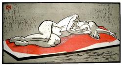 Schlafende auf rotem Tuch
