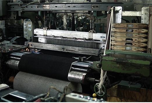 セルビッチデニムを織る力織機