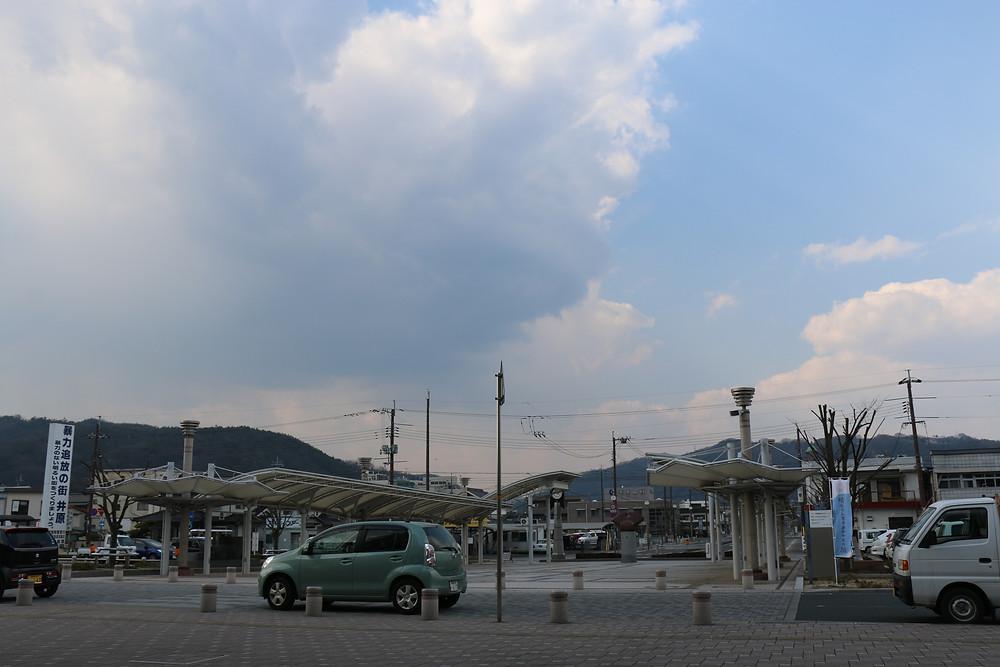 井原駅前の風景