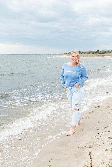 women's slouchy sweatshirt in blue