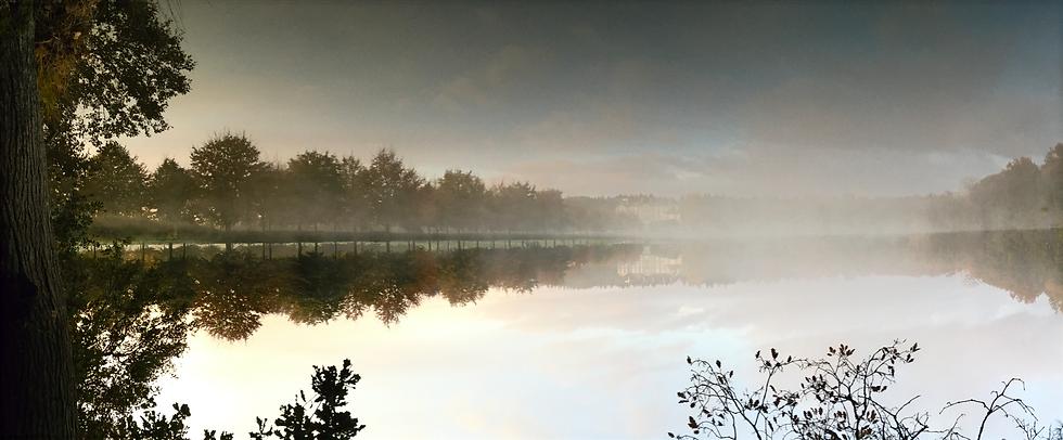 Reflet inversé du château de Loyat