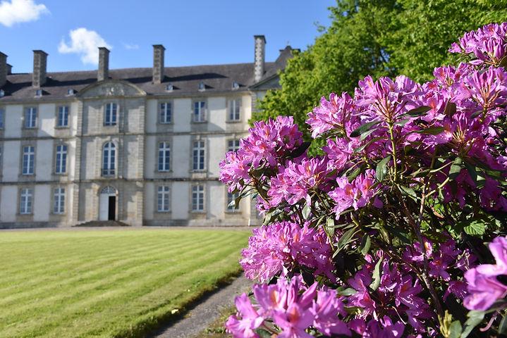 Façade château de Loyat