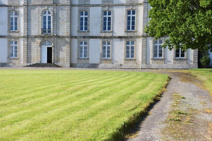 Arrivée au château de Loyat