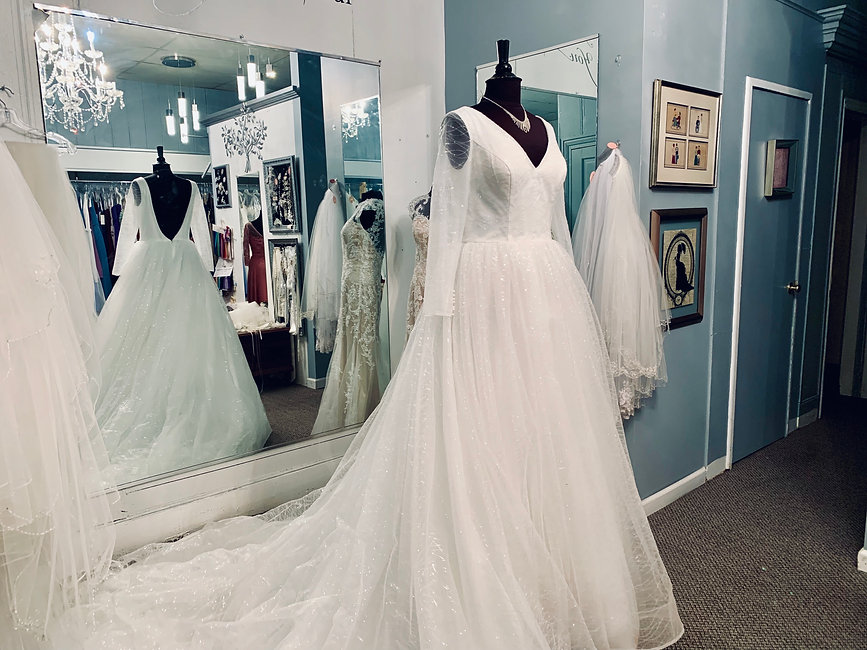 Bridal Gowns Mens Wear Prom Beverlys Touch Of Class Bedford Pa