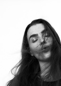 Charli Howard_Maddalena Arcelloni_Yety Akinola-2