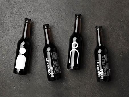 Eine für alle! Community Cola ist die Cola mit sozialem Anspruch: Jede verkaufte Flasche unterstützt