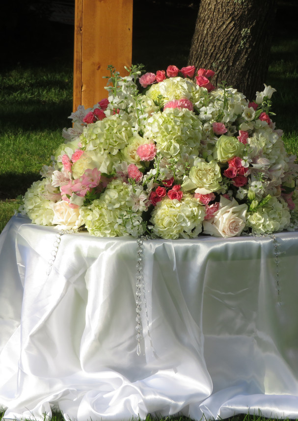 wedding_floral_centerpiece.JPG