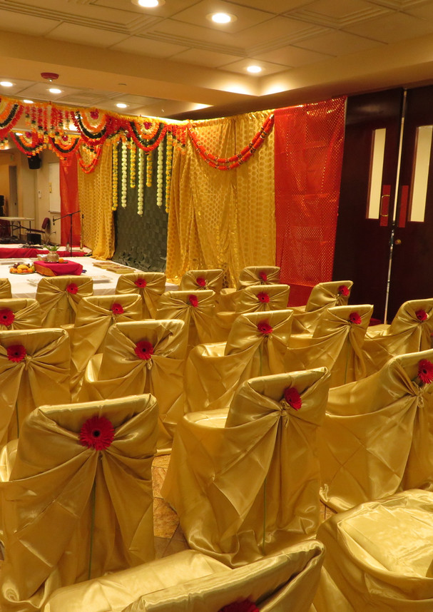 PratikshaJonWeddingChairs.JPG